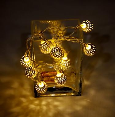 Vánoční LED girlanda s 10 zlatými kuličkami